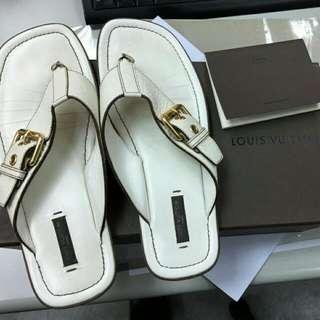 (降價)LV 牛皮夾腳涼鞋 37碼