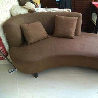 Sofa From Price Rite 180cm Width. 90cm Depth. Seating Height 40cm. Back Height 73cm. 實惠傢俬梳化