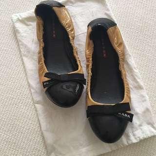 Prada Cap Toe Ballet Flats sz 37