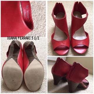 Diana Ferrari Size 5 1/2