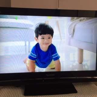 "Panasonic viera 32"" LCD TV TH-32LX80M"
