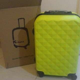 全新 Kikura 20吋旅行喼 黃色