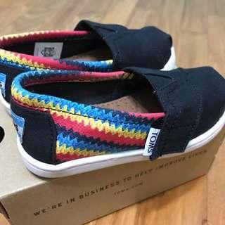 Toms Boys Shoes T6