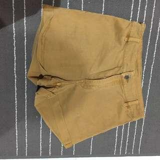 HnM Divided High waisted shorts