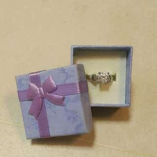 閃石戒指 Ring