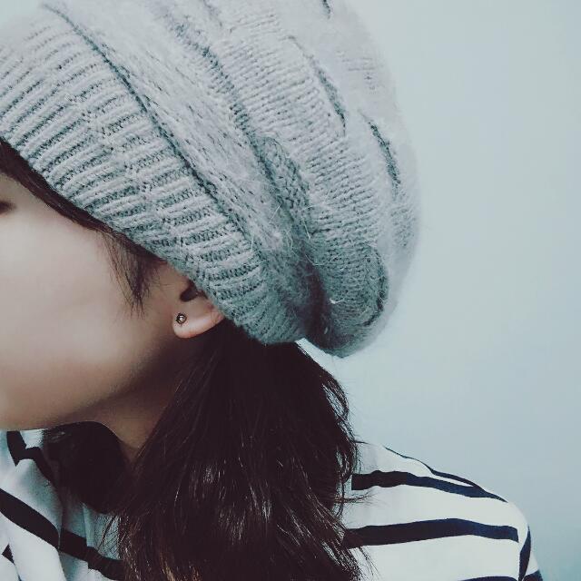 灰色畫家毛帽