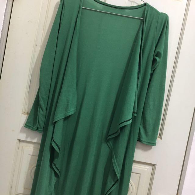 綠色長版外套(防曬也好穿)