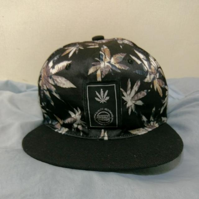 大麻葉帽子