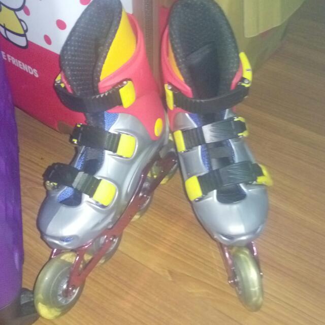 1000掛號含運~近新女童溜冰鞋