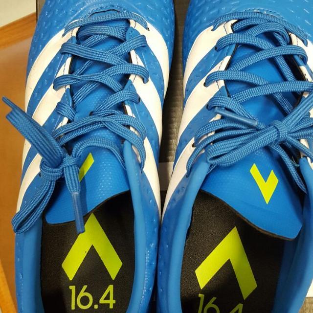 Adidas 男裝足球鞋(石地, 室內, 人造草適用)
