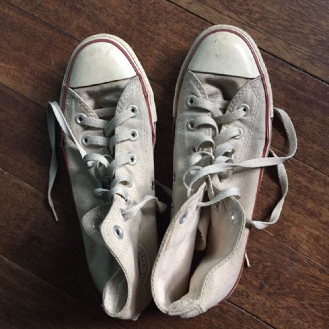 Authentic Converse Chuck Taylor Size 8