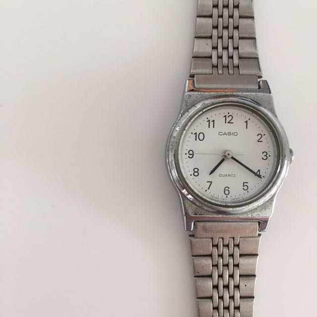 CASIO stainless steel analog LQ333