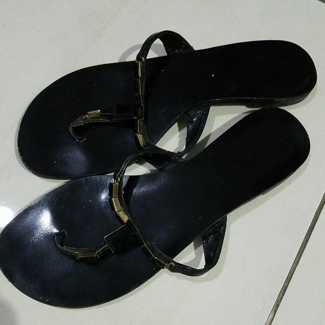 Charles And Keith Sandals Flats Sz 38 Stone Black