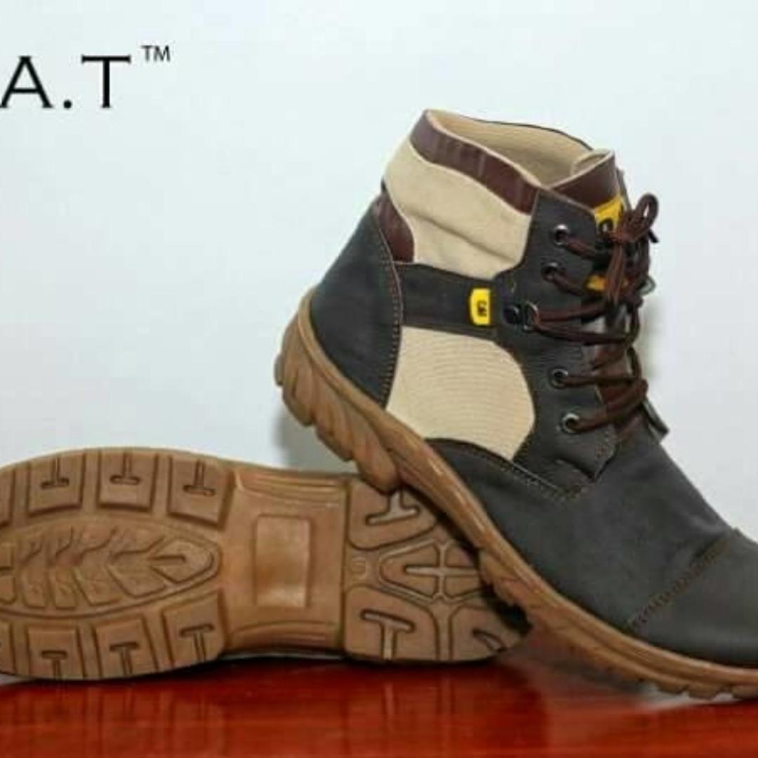 Diskon Murah Sepatu Pria Boots Safety Ujung Plat Besi Cat Kulit ... 1eea07969f