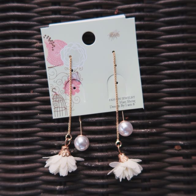 EARRINGS (new; ig @anala.official)
