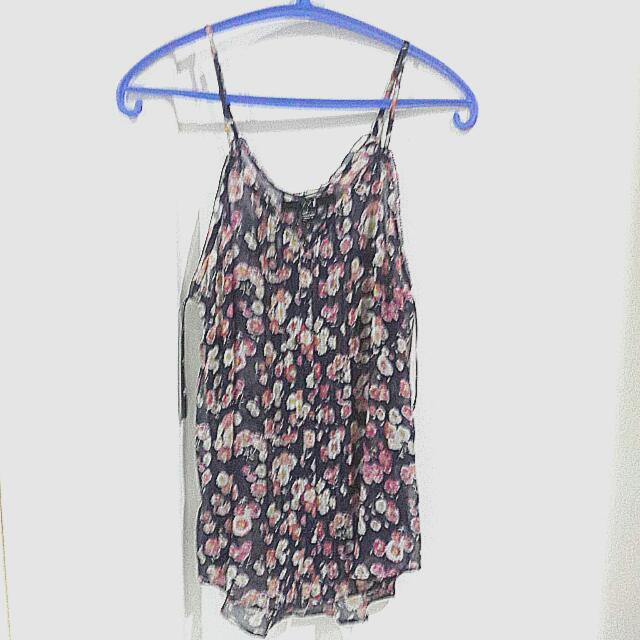 Forever 21 Flowery Top Size S