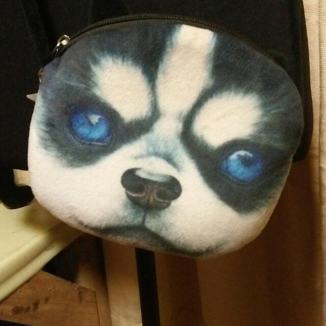 Husky sling bag
