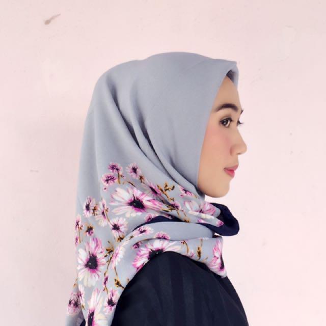 Jilbab Segi Empat Rabiza