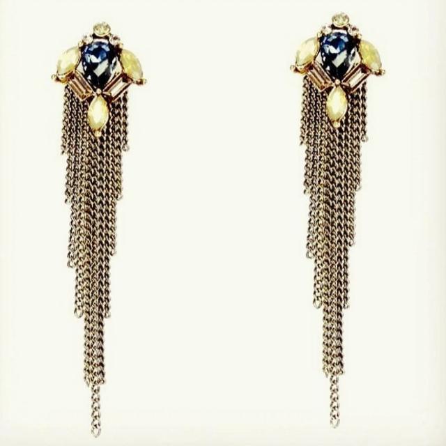 Ladies Crystal And Chain Pierced Earings