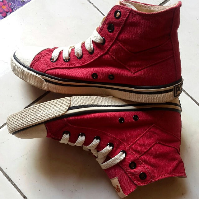Pony Shoes (red)