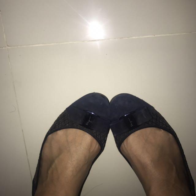 Salvatore Ferragamo Velvet Blue Varina Flat Shoes