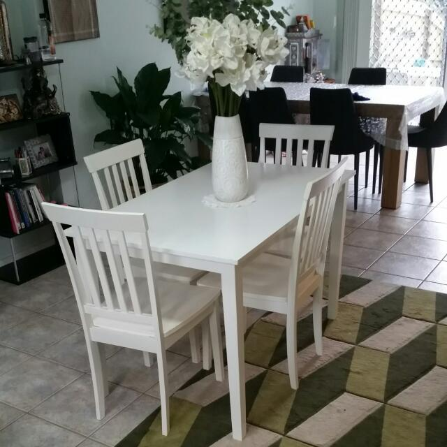 Small Dining Table With Four Chairs