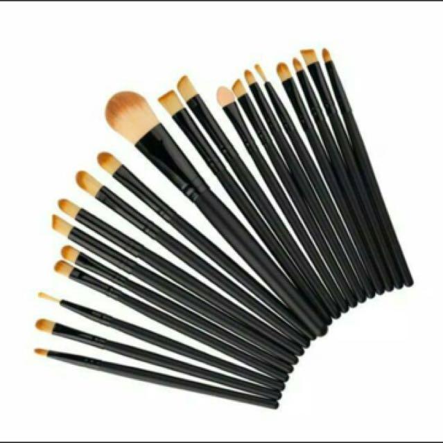 Twenty Brush Black