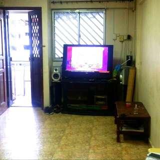Ang Mo Kio Ave 10 HDB Whole Unit 2+1 Flat For Rent