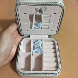 MINI ACCESSORIES BOX