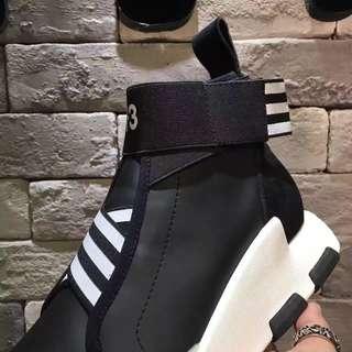 全新正品Adidas Ultra Boost Y3 單件免運 兩件再優惠 編織跑鞋四色 黑白 黑紫 灰白 全白 發票
