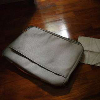 """Great Condition Notebook Carry Case! Up to 14"""""""