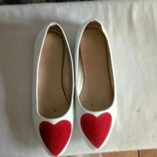 Repriced! Preloved Flats