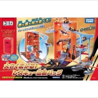 🚚 日本tomy takara飛機總動員翱翔天空可收納手提盒