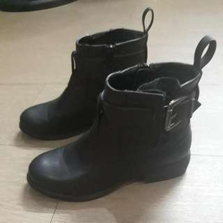 Forever 21 Black Boots SZ. 7