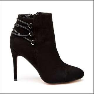 NOVO Kachina Heel Boots