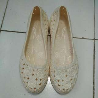 Sendal Sepatu Jelly Shoes Cream #diskonnih