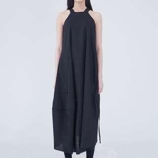 收 泉此件洋裝