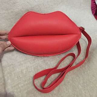 Mini Lips sling bag