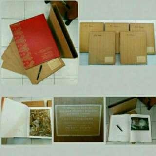 Buku Lukisan & Patung Koleksi Presiden Soekarnoe