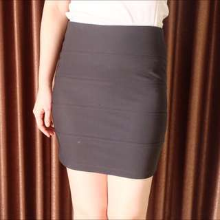 bandage black skirt