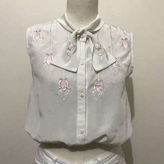 Vintage Flower Embroidered Sleeveless Button Down Top