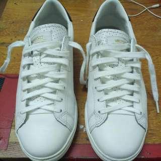 瑞典 Wesc 小白鞋