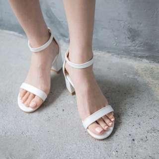 全新轉賣 Jolie 17 細帶低跟鞋