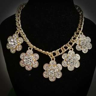 Trendy And elegant Necklace