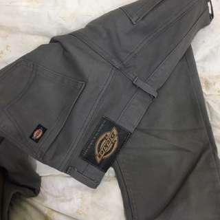 Dickies 鐵灰窄管長褲