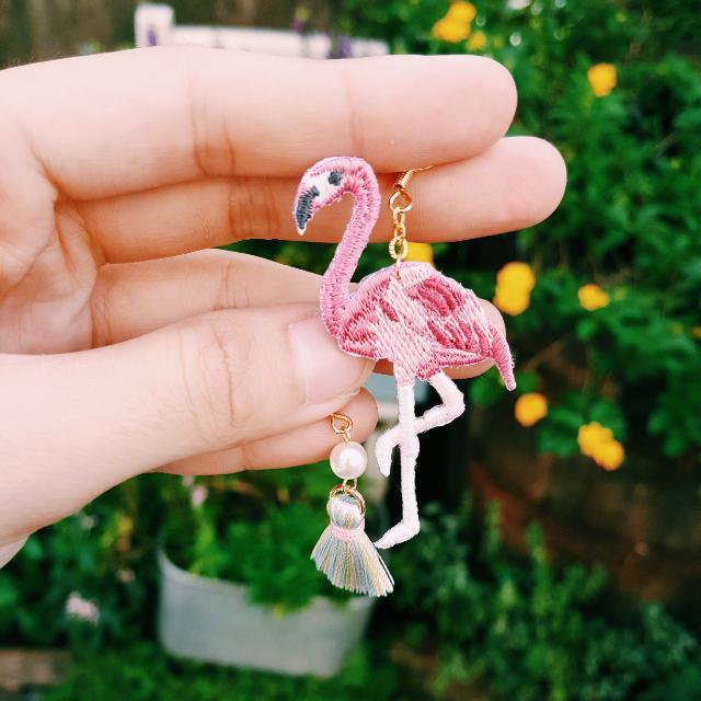 手工刺繡布紅鶴耳環