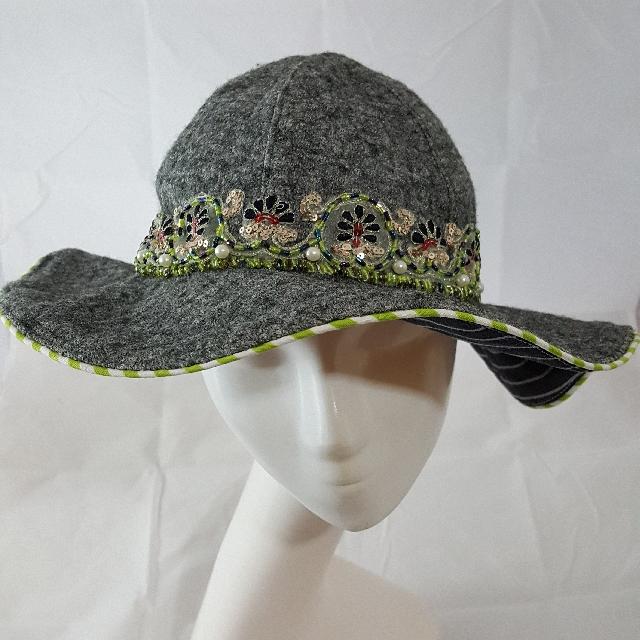 特惠)))手作帽 灰毛呢優雅刺繡荷葉帽 優雅上市 獨一無二
