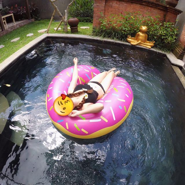 Ban Renang Floaties Donut