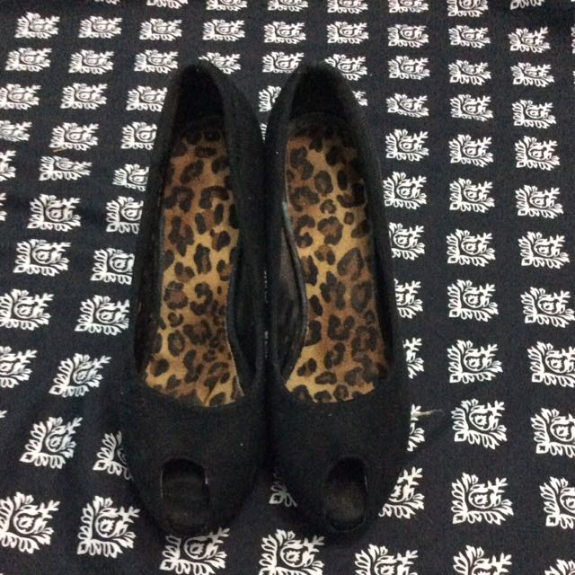 Black Pumps Size 39