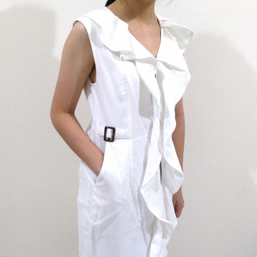 Blazer Putih Outer Vest Ruffled Edgy Zipper Dress Lace White Preloved